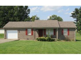 8 RENTAL HOMES  - MONTHLY INCOME of $5,150 - Online Bidding Only Ends Thurs., Nov. 18th @ 3:00 PM CST featured photo 2