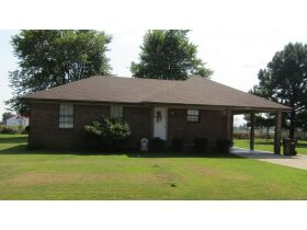 8 RENTAL HOMES  - MONTHLY INCOME of $5,150 - Online Bidding Only Ends Thurs., Nov. 18th @ 3:00 PM CST featured photo 4
