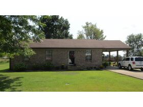 8 RENTAL HOMES  - MONTHLY INCOME of $5,150 - Online Bidding Only Ends Thurs., Nov. 18th @ 3:00 PM CST featured photo 5