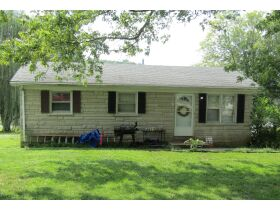 8 RENTAL HOMES  - MONTHLY INCOME of $5,150 - Online Bidding Only Ends Thurs., Nov. 18th @ 3:00 PM CST featured photo 7
