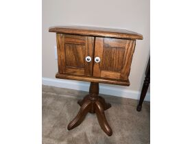 Lakeland Estate Jewelry, Furniture, Cookware Auction featured photo 9