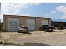 COMMERCIAL BUILDING - 133 STORAGE SHED RENTALS - 4.7 ACRES - SOLD IN 2 PARCELS - Online Bidding Only Ends Tues., Oct. 19th @ 3:00 PM CDT featured photo 2