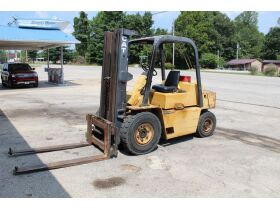 TRACTOR W/ LOADER - FORKLIFTS - AUTO LIFT - PONTOON TRAILER - SHOP EQUIPMENT - METAL CARPORT - MISC. ITEMS - Online Bidding Only Ends Tuesday, Oct. 19th @ 5:00 PM CDT featured photo 2