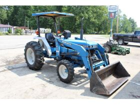 TRACTOR W/ LOADER - FORKLIFTS - AUTO LIFT - PONTOON TRAILER - SHOP EQUIPMENT - METAL CARPORT - MISC. ITEMS - Online Bidding Only Ends Tuesday, Oct. 19th @ 5:00 PM CDT featured photo 1