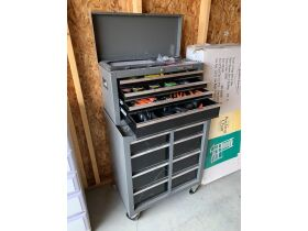 Storage Unit Auction in Salmon 21-1004.ol featured photo 2