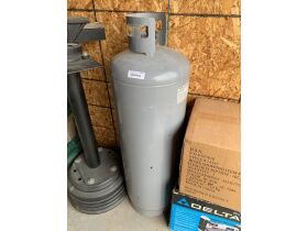 Storage Unit Auction in Salmon 21-1004.ol featured photo 11