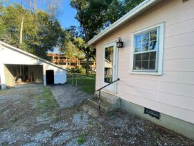 1920's Downtown Cottage - 2 Bedroom 2 Bath - Sunroom - Office - AUCTION Nov. 2nd featured photo 7