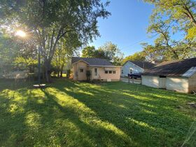 1920's Downtown Cottage - 2 Bedroom 2 Bath - Sunroom - Office - AUCTION Nov. 2nd featured photo 9