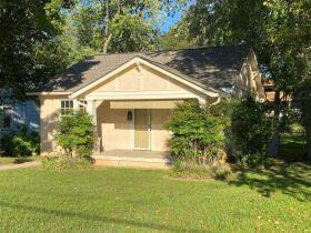 1920's Downtown Cottage - 2 Bedroom 2 Bath - Sunroom - Office - AUCTION Nov. 2nd featured photo 2