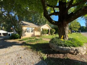 1920's Downtown Cottage - 2 Bedroom 2 Bath - Sunroom - Office - AUCTION Nov. 2nd featured photo 5