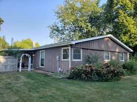 Springfield, IL Real Estate - Westchester Subdivision - 3BR/2BA With Basement featured photo 3