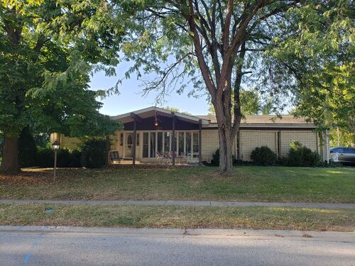Springfield, IL Real Estate - Westchester Subdivision - 3BR/2BA With Basement featured photo