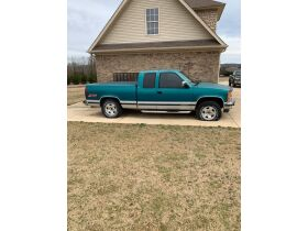 1994 Chevrolet Silverado 1500 Extended Cab Truck featured photo 7