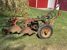 Mike and Gail Clark Case Tractor Auction featured photo 2