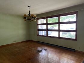 Pending--Real Estate Listing- 47 S. Coventry Drive Anderson, IN featured photo 3