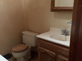 Pending--Real Estate Listing- 47 S. Coventry Drive Anderson, IN featured photo 7