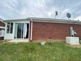 PATIO HOME - GARAGE - TWO BATHS - Online Bidding Only Ends Wed., Oct. 27th @ 4:00 PM EDT featured photo 4