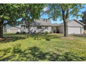 1.75 Acres w/5BR Home in Eaton Rapids featured photo 1