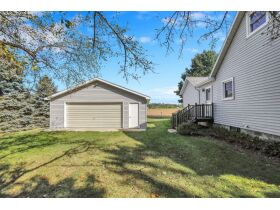1.75 Acres w/5BR Home in Eaton Rapids featured photo 2