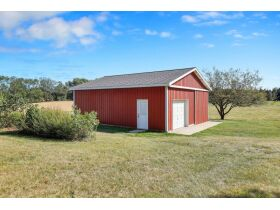 1.75 Acres w/5BR Home in Eaton Rapids featured photo 11