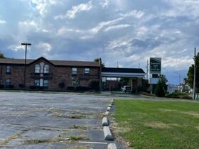 Springfield, IL Hotel Liquidation - 10 Days ONLY featured photo 1