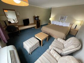 Springfield, IL Hotel Liquidation - 10 Days ONLY featured photo 2