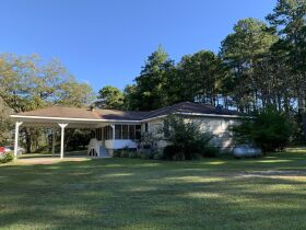 3 Bed, 2 Bath Home | Large Lot |  Coffee County, GA featured photo 4