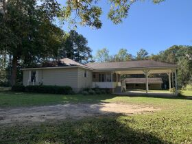 3 Bed, 2 Bath Home | Large Lot |  Coffee County, GA featured photo 1