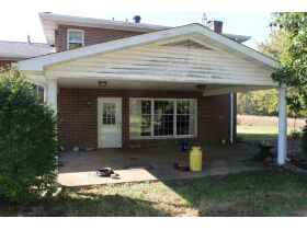 HOME • GARAGE • 2.39 ACRES - Online Bidding Only Ends Wed., Nov. 3rd @ 3:00 PM CDT featured photo 5