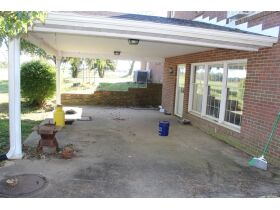 HOME • GARAGE • 2.39 ACRES - Online Bidding Only Ends Wed., Nov. 3rd @ 3:00 PM CDT featured photo 6