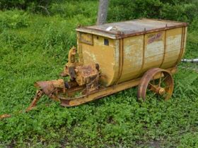 Centonze Antique Tractor Parts and Implements featured photo 8