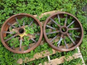 Centonze Antique Tractor Parts and Implements featured photo 7